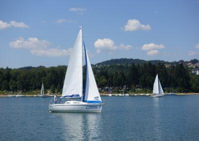 Czarter jachtów na jeziorze Solińskim